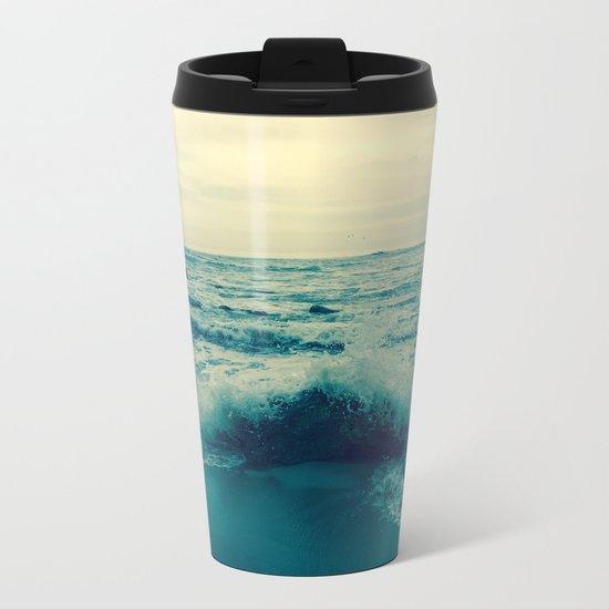 Waves crashing against rocks | Beach Metal Travel Mug
