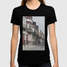 Old Houses Of Istanbul T-shirt