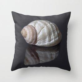 Seashell snail reflection Throw Pillow