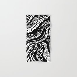 Free Hand Wavy Pattern Black and White Drawing Hand & Bath Towel