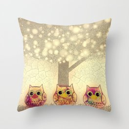 owl-222 Throw Pillow