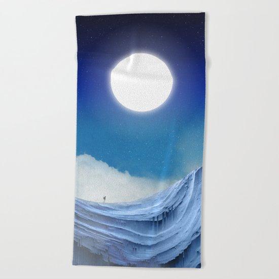 To dust Beach Towel