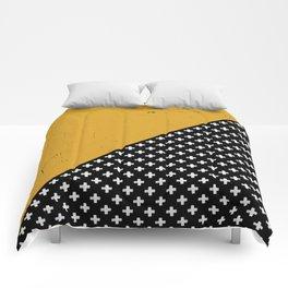 Swiss crosses (grunge) Comforters