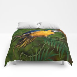 BLUE-GOLD MACAW PARROT IN JUNGLE Comforters