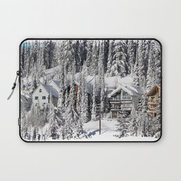 Winter Retreat - Mountain Resort Laptop Sleeve