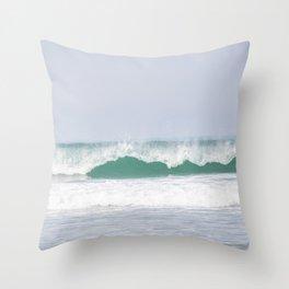 sea waves Throw Pillow