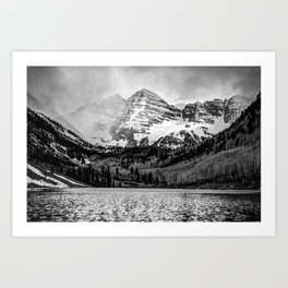 Maroon Bells Cloudy Mountain Landscape - Black and White Wall Art Art Print