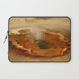 A Thermal Bubbel Hole Laptop Sleeve