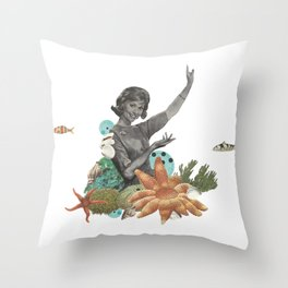 Océano Throw Pillow