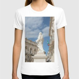 Statue of St. Peter Ortigia Syracuse T-shirt