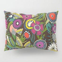 joie floral espresso Pillow Sham