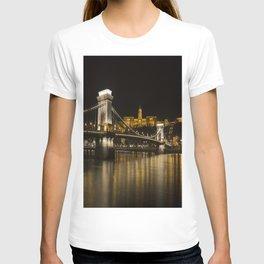 Budapest Chain Bridge And Castle T-shirt