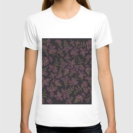 purpur // purple branches, delicate flowers T-shirt