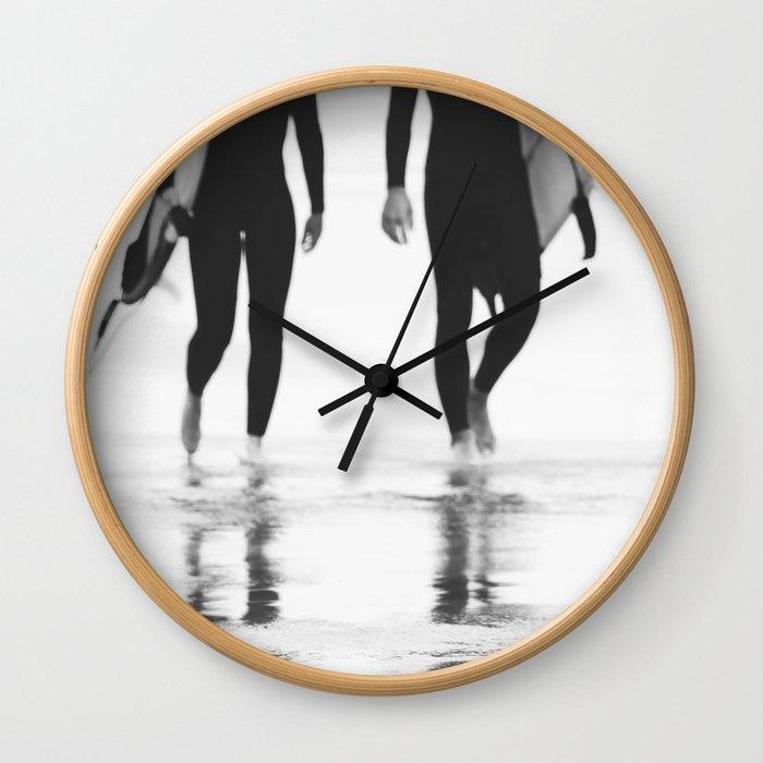 Catch a wave III Wall Clock