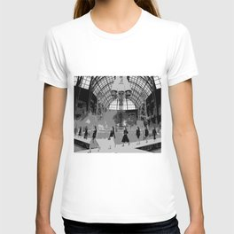 iconic runway industrial black and white T-shirt