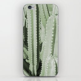 GRAPHIC CACTUS iPhone Skin