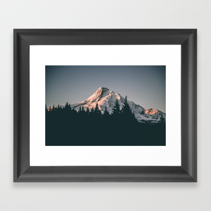 First Light on Mount Hood Gerahmter Kunstdruck