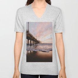 MANHATTAN BEACH PIER Unisex V-Neck