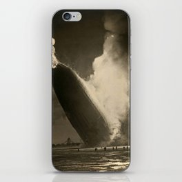 The Hindenburg hits the ground in flames in Lakehurst, N.J. iPhone Skin