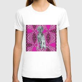 Kiki in pink T-shirt
