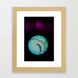 romance de piedra y hiedra Framed Art Print