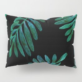 laves in the dark Pillow Sham