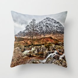 Stob Dearg. Throw Pillow