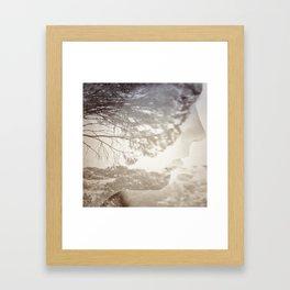 Réseau Framed Art Print