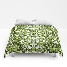 Stylized Nature Print Pattern Comforters