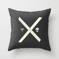 scully Throw Pillows featuring Mulder and Scully by avoid peril