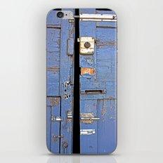 Vintage door iPhone & iPod Skin