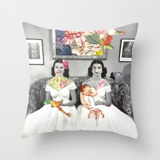 Visceral love Throw Pillow