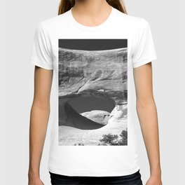 Tunnel Arch View T-shirt