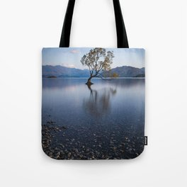 lone tree of lake Wanaka Tote Bag