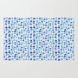 Blue scalloped pattern Rug