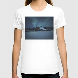 Winter finds out what summer lays up. T-shirt