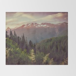 Mountain Sunset Bliss - Nature Photography Throw Blanket