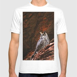 Great Horned Owl in the Rocks T-shirt