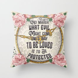 To be loved Throw Pillow