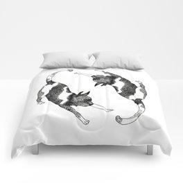 Stretch Cat, Stretch! Comforters