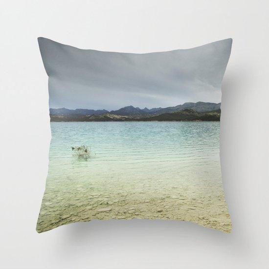 Bermejales lake. Storm days. Retro Throw Pillow