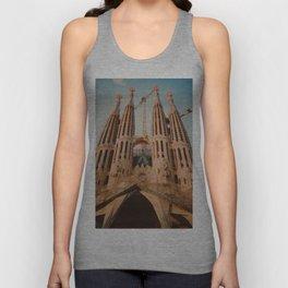 The Basílica i Temple Expiatori de la Sagrada Família Unisex Tank Top