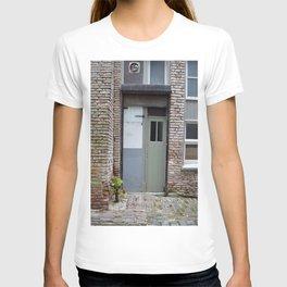Narrow door T-shirt