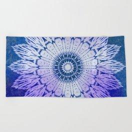 tie dye sunflower mandala in blues Beach Towel