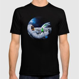 Astronaut on the Moon with beer T-shirt