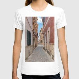 Narrow street in Ciutadella with old houses - Menorca, Spain T-shirt