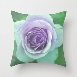 bed of roses: underwater rose Throw Pillow