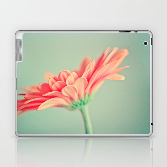 Darling Gerber Daisy  Laptop & iPad Skin