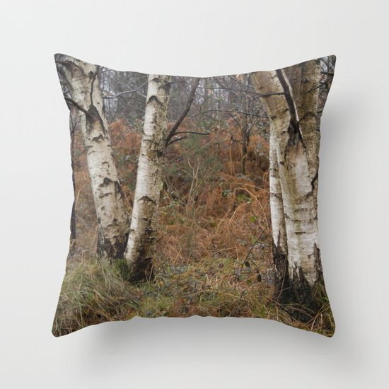 invierno Throw Pillow