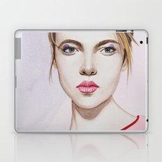 Close Up 17 Laptop & iPad Skin